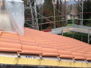 Tetto coibentato general cover per un tetto coibentato for Tetto coibentato prezzi
