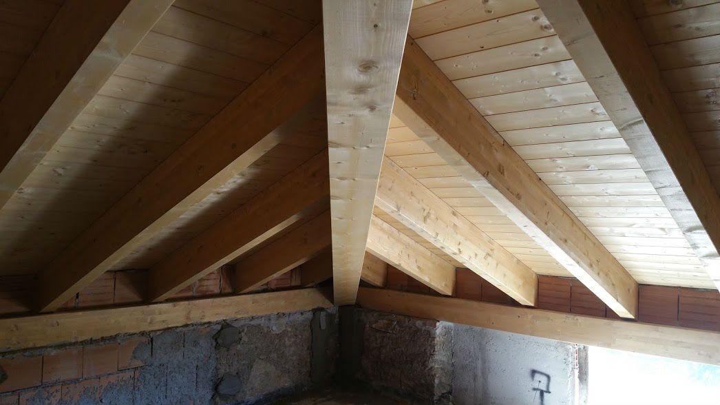 Plafoniere Per Tettoie In Legno : Travi per tetti in legno prezzi. simple